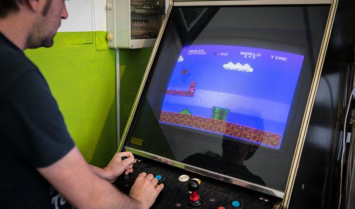 Spela klassiska arkadspel på datorn